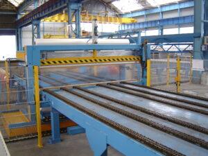 Alfatechnics Farbal Krimpmachine kettingtransport krimptunnel voor stalen platen. Verpakking in PE polyethyleenfolie 120mµ. Tot 3 ton gewicht