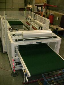 Verpakkingsmachine met gesloten folieverpakking