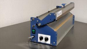 Lasbalk met magneetsluiting onder en bovensealdraad. Type SMS 500-700-1000 D2